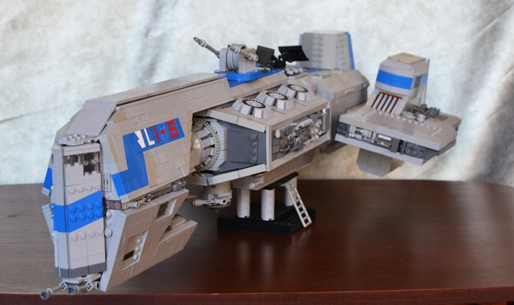 LEGO MOC - In a galaxy far, far away... - Crusader class Corvette