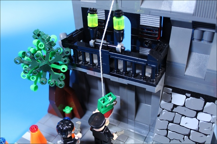 LEGO MOC - Heroes and villians - Killer has been punished.
