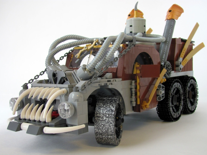 LEGO MOC - Steampunk Machine - 王者之劍: <br><i>- Aggressive appearance helps to scare away the bad ghosts & silly pedestrians.</i><br>