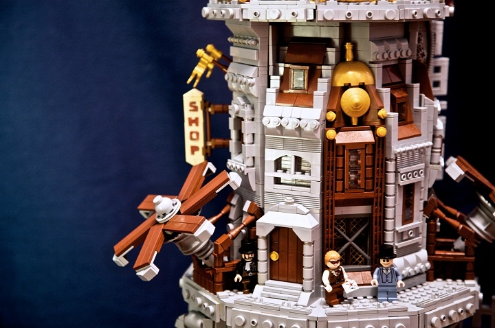 LEGO MOC - Steampunk Machine - Skyholm - the flying city: Два огромных пропеллера, а также гигантский реактор держат город в воздухе.