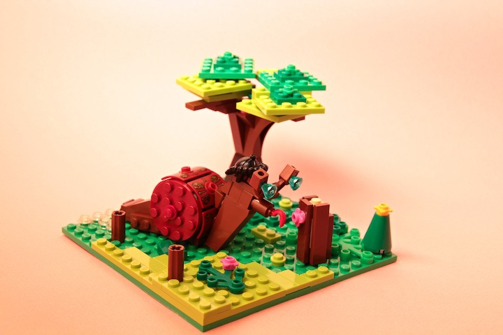 LEGO MOC - 16x16: Animals - Snail in the forest