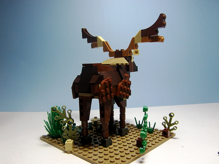 LEGO MOC - 16x16: Animals - Deer: Теперь фото с тылу.