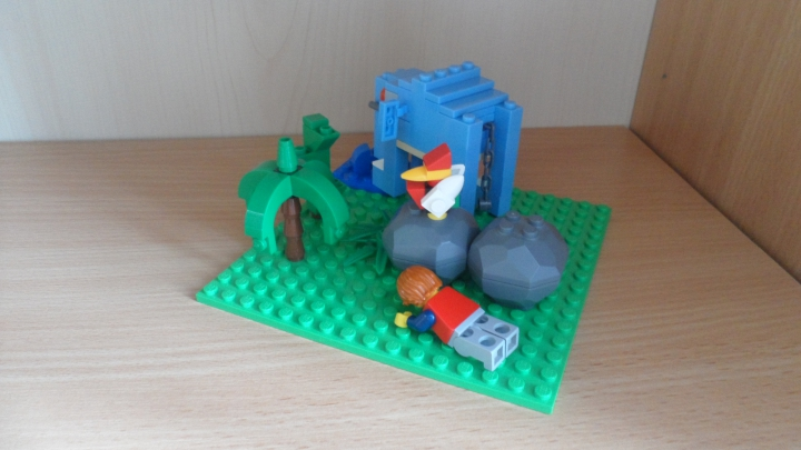 LEGO MOC - 16x16: Animals - Hunting on blue elephant