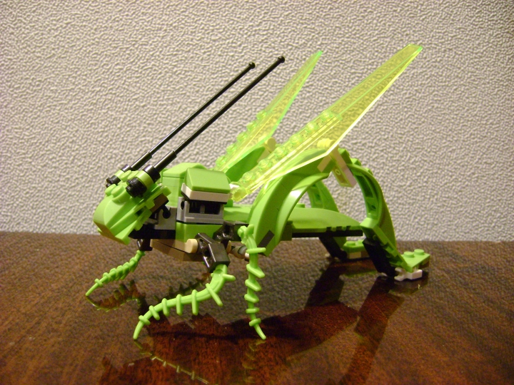 LEGO MOC - 16x16: Animals - Grasshopper: общий вид