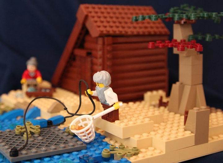 LEGO MOC - Russian Tales' Wonders - The Tale of the Fisherman and the Fish (A.S.Pushkin): В руке большой невод и садок.